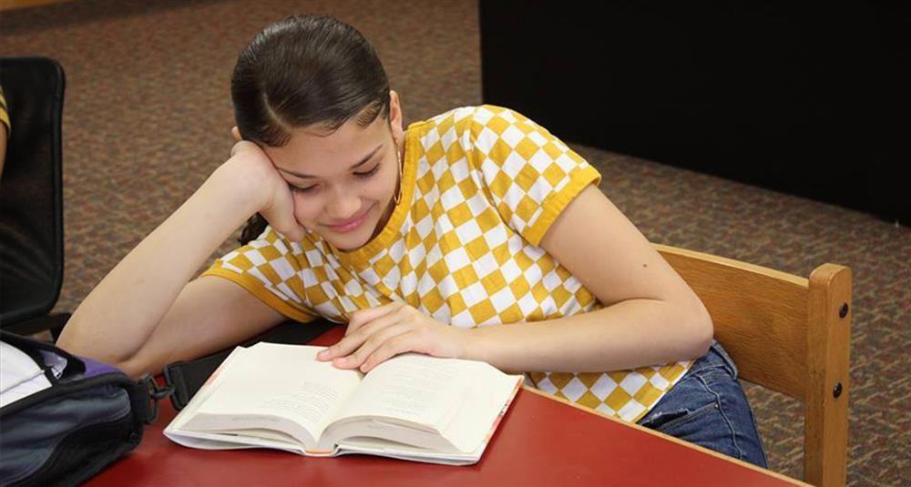 Academic Departments / English Language Arts